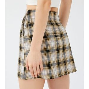NWT UO Darren Notched Pelmet Mini Skirt